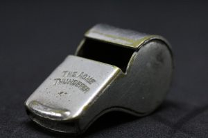 whistle-2465084_1920